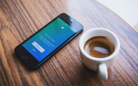 Twitter Brings Its Read Before Retweeting Prompts to iOS Users